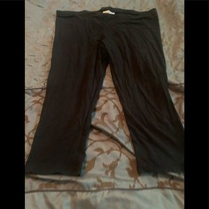 Capri length leggings. Size XL